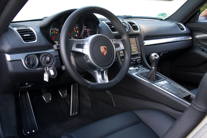 Typical Porsche interior. Looks fine, feels fine - the least you would expect for this kind of money