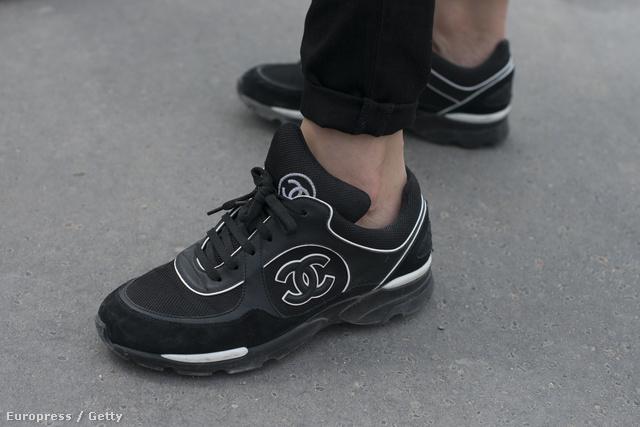 Hibákat még a legnagyobb divatházak is követnek el, ahogy azt a Chanel 2012-es tavaszi-nyári edzőcipő kollekciója is bizonyítja.