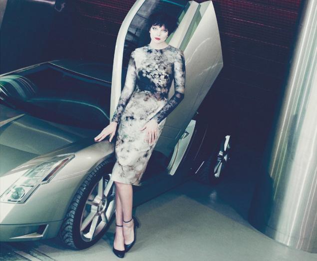 Vintage ihlette anyag Cadillac-el a Bergdorf Goodmannak.