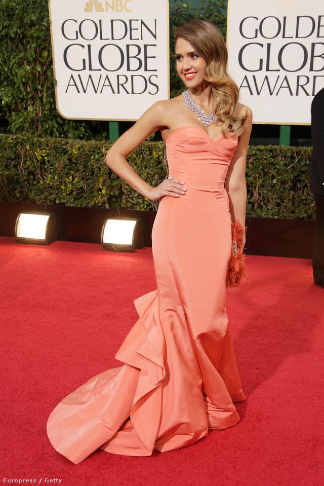 Jessica Alba a Golden Globe-on Oscar de la Rentában.