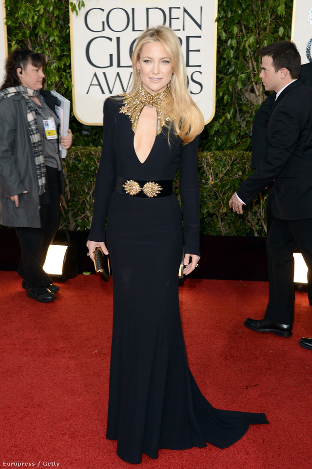 Kate Hudson a Golden Globe-on Alexander McQueenben.
