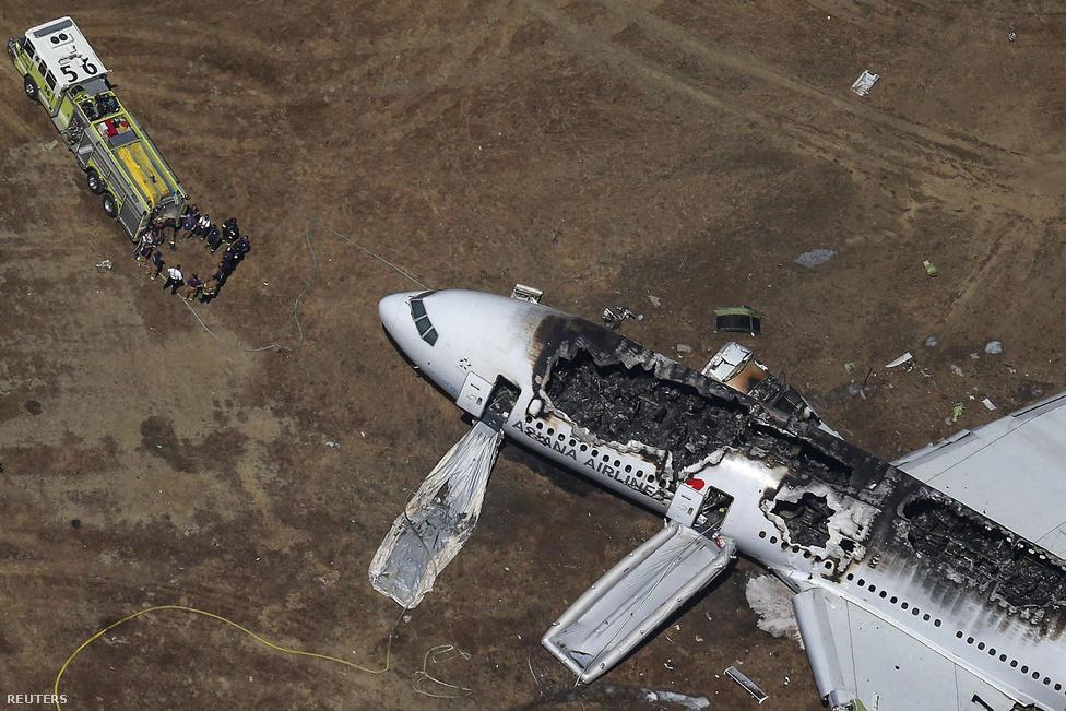 Július elején a földbe csapódott egy Boeing 777-es a San Franciscó-i reptéren. A dél-koreai Asiana Airlines gépe abnormális szögben közelített a reptérhez, a farokrész a földnek csapódott. Két ember meghalt, 182-en megsérültek.