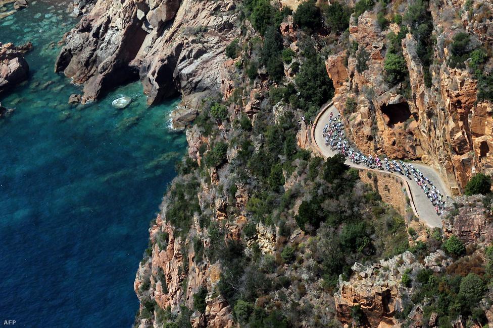 A Tour de France harmadik szakasza Korzika szigetén, Ajaccio és Calvi között