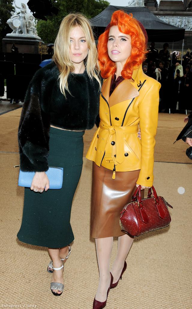 Sienna Miller ésPaloma Faith a Burberry 2014-es tavaszi-nyári bemutatójára érkeztek.