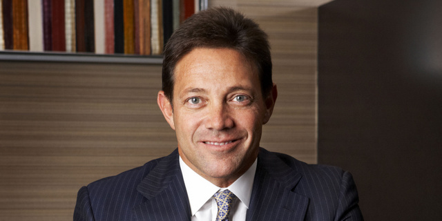 The 55-year old son of father Max Belfort and mother Leah Belfort, 173 cm tall Jordan Belfort in 2018 photo