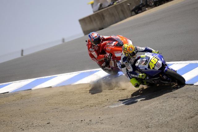 Valentino-Rossi-Casey-Stoner-Laguna-Seca-Cavatappi-2008