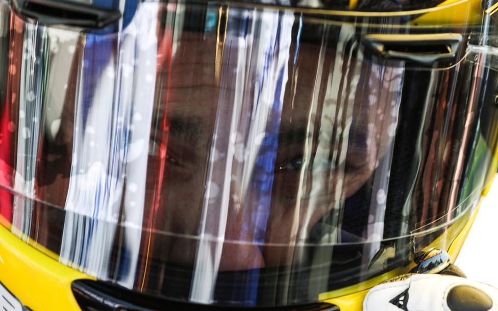 Cameron Donald koncentrál, s az utolsó simításokat végzi.