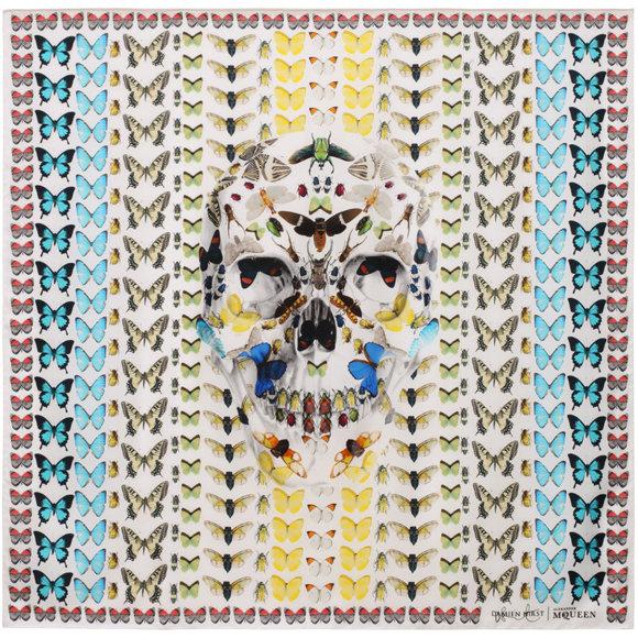 Alexander McQueen a provokatív művésszel, Damien Hirsttel állt össze 2013-ban .