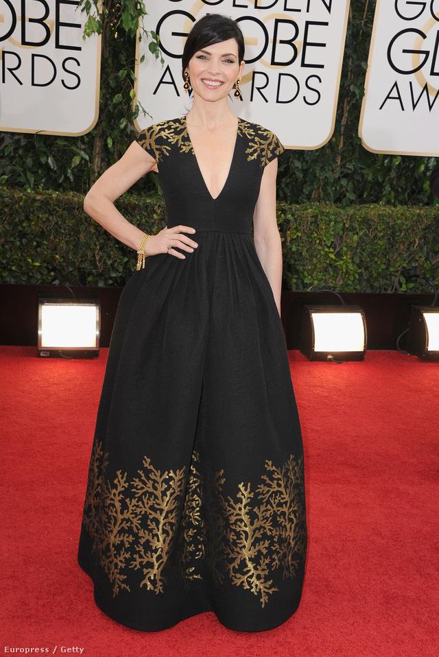 Julia Marguiles is egy fekete ruhát választott, de az ő estélyijét Andrew Gn tervezte.