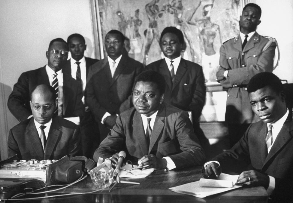 Spencer és a Life  magazin kapcsolata az afrikai megbízások során erősödött meg igazán, az apartheid után Dél-Afrika is különös figyelmet kapott, de Biafra, Algéria és Kongó is az érdeklődés középpontjába került. A képen Moise Tshombe és Albert Kalonji közös sajtótájékoztatót tart 1965-ben.