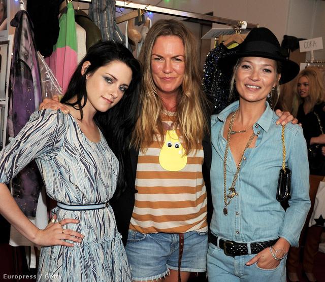 A 2011-es londoni divathéten a Mulberry tervezőjével, Emma Hillel és Kristen Stewarttal.
