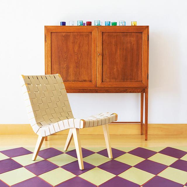 Jens Risom egyike volt azon designereknek, akik elsőként vezették be a skandináv dizájnt az Egyesült Államokban.