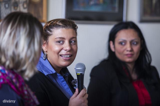 """""""Értsük meg egymást, roma nők a szülészeti ellátórendszerben"""" címmel rendezett konferenciát a Születésház alapítvány, Budapesten a VII.kerület Wesselényi utca 17 szám alatt található Erőművházban. Nótár Ilona (szülésznő)"""