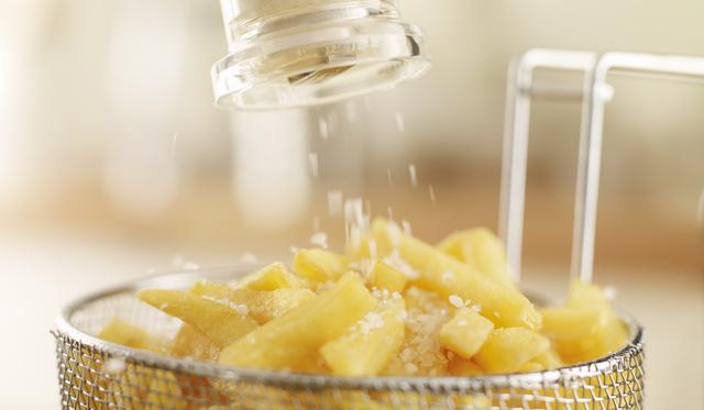 Só+zsírban sült étel = öreg, élettelen bőr