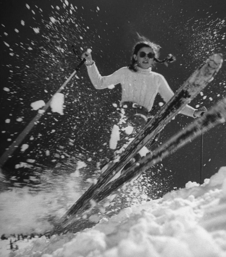 A sportban már bő hatvan évvel ezelőtt is voltak tinisztárok, az amerikai Andrea Mead Lawrence már 14 évesen bekerült a válogatottba, 15 évesen már olimpián indult, majd 19 évesen már a csúcsra is ért. Az 1952-es oslói olimpián két aranyérmet szerzett, a műlesiklást és az óriás-műlesiklást is megnyerte. A sízés családi hagyomány volt náluk, szülei sípályát üzemeltettek.