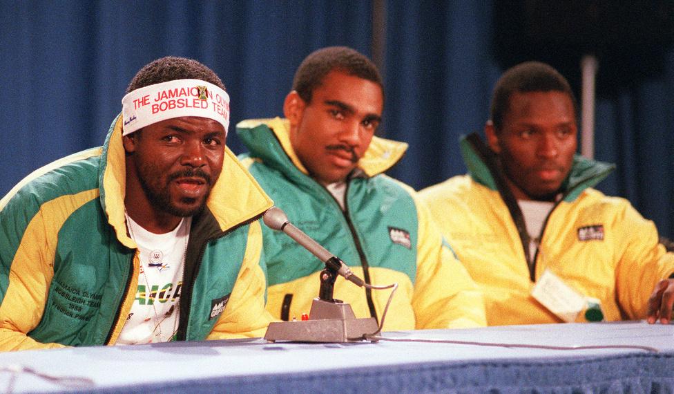 Volt idő, amikor Jamaicáról az embereknek nem a az atlétika és a sprinterek jutottak eszükbe, ha sportról volt szó, hanem az 1988-es Calgary Olimpián elindult bobcsapat. A karibi ország minden másra alkalmas, csak téli sportokra nem, de nagy elszántsággal, barkácsmódszerekkel és persz elegendő pénzzel semmi sem elérhetetlen. Az első jamaicai bobnégyes úgy vált legendává, hogy kölcsönbobjukkal egy borulás miatt be sem tudták fejezni a versenyt. A sportág alapjait azonban megvetették, Szocsiban is lesz jamaicai bobos.