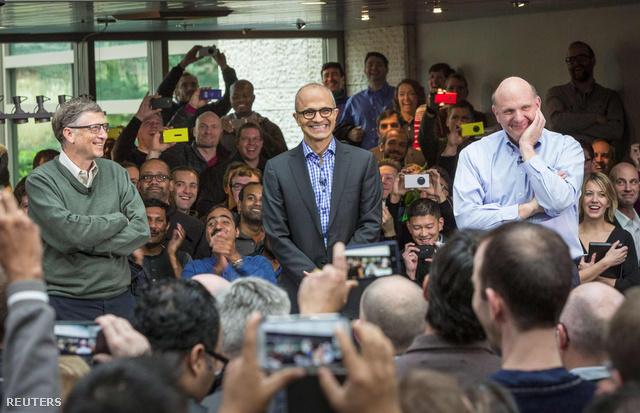 Satya Nadella, Bill Gates és Steve Ballmer 2014. ferbruár 4-én, aMicrosoft Redmond Campusban.