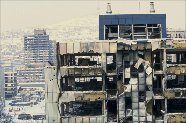 10 évvel később Szarajevó szétlőve várta a délszláv háború végét