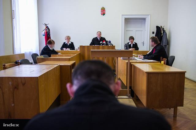 Sz. Norbert tárgyalása 2013. október 18-án