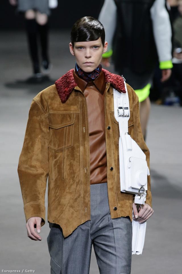 Hasított bőr, férfias dzseki Wangtól.