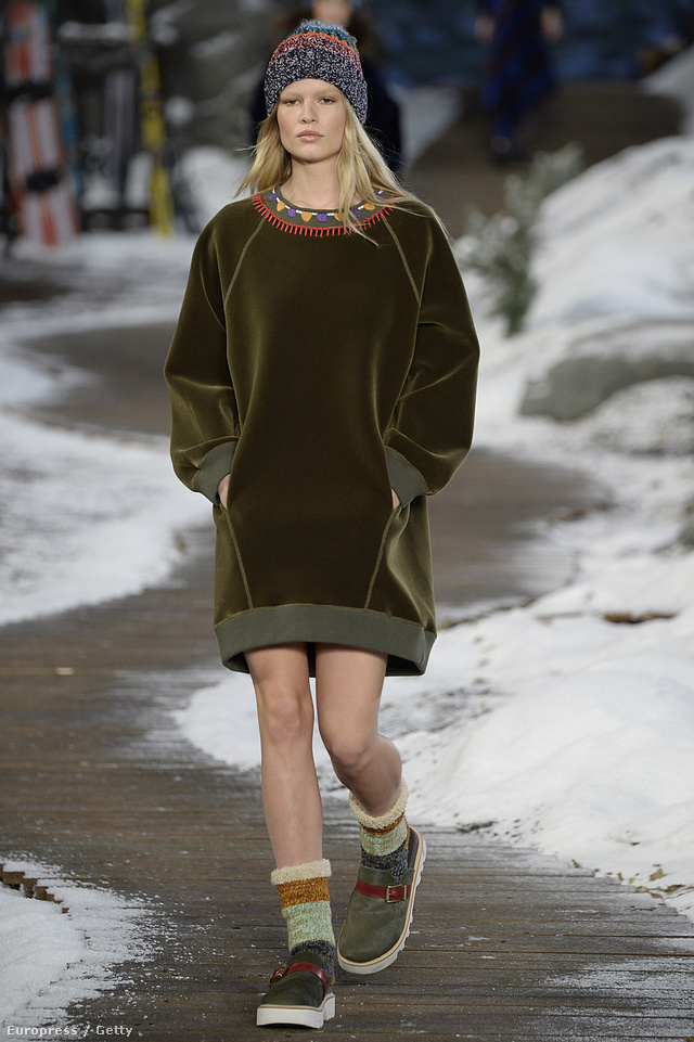 Egyik kedvencünk a pulóver ruha.
