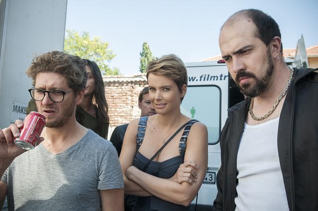 Szolid termékreklámos werkfotó Herczeg Attila rendezővel, Osvárt Andreával és Szabó Simonnal