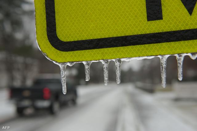 Atlanta: több centiméteres jégréteg borít mindent