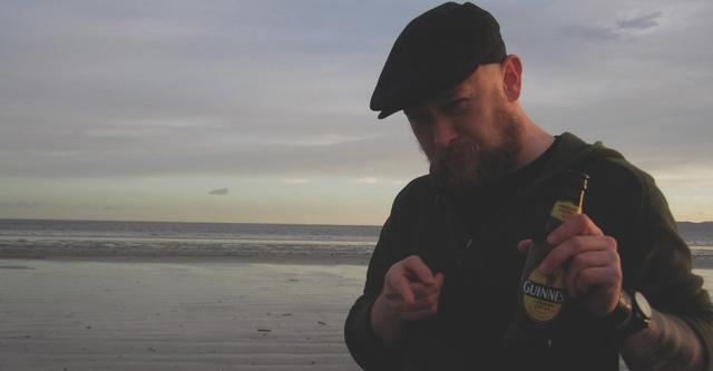 A Rambo-mém atyja, Boldizsár Péter animációs filmes az ír tengerparton ejtőzik