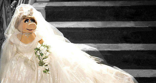 A boldog menyasszony, tetőtől talpig csak neki tervezett Westwoodban.