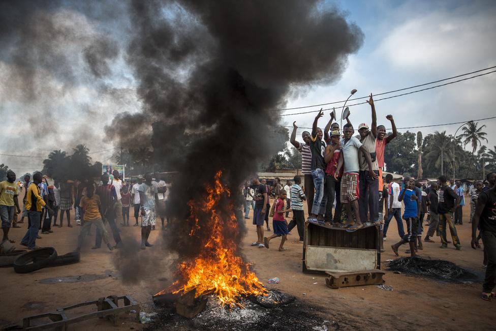 Hír kategória, sorozat - Második hely: Az elnök lemondását követelő tüntetők a Közép-Afrikai Köztársaságban.