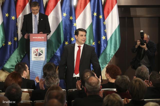 Gyurcsány Ferenc és Mesterházy Attila a Demokratikus Koalíció évértékelőjén a Hilton WestEndben, 2014. február 15-én.