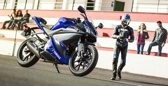 021414-2014-Yamaha-YZF-R125-EU-04