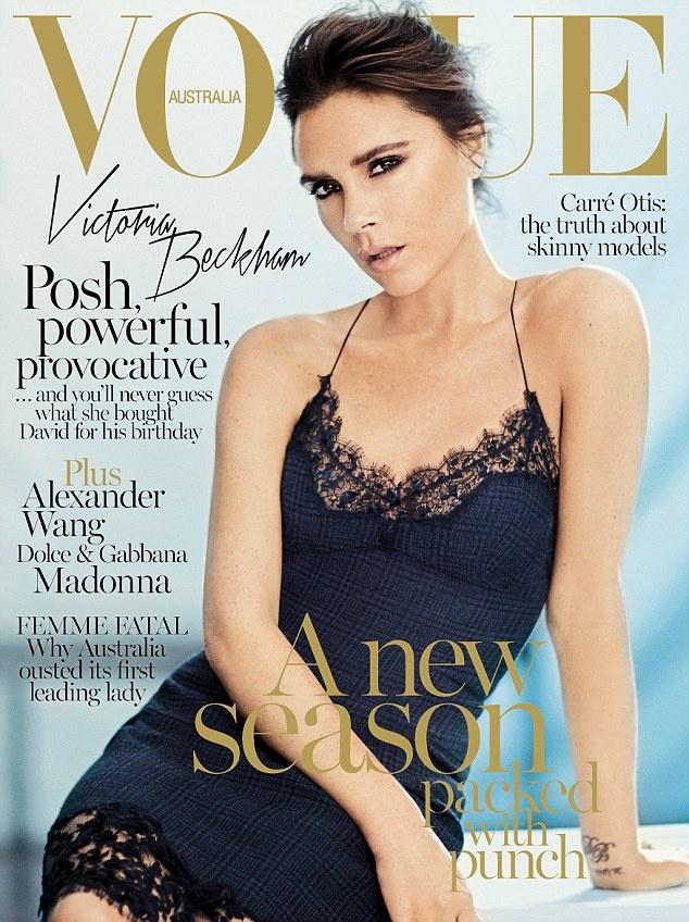 Victoria Beckhamra a Louis Vuitton kombiné ruháját adták rá a Vogue stylistjai.