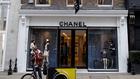 Chanellel csalt adót egy angol házaspár