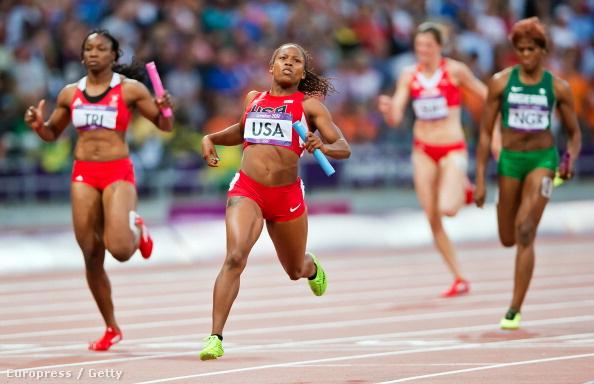 Lauryn Williams a londoni olimpián, a 4x100-as váltófutás egyik előfutamában