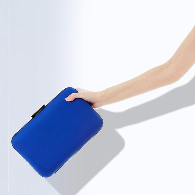 Sőt, a táska is ennyibe kerül. 9995 Ft, ZARA