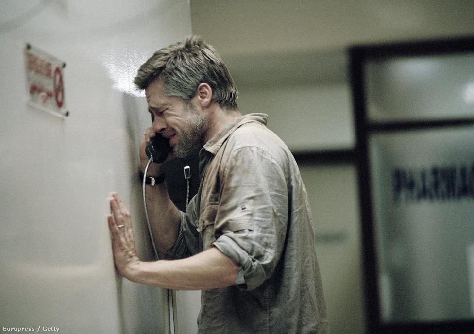 A Bábel volt Alejandro Gonzalez Inarritu nagy  dobása a spanyol nyelvű Korcs szerelmek és a szolid sikert arató 21 gramm után. A Bábelt összesen 7 Oscar-díjra jelölték, és hiába nyerte meg a legjobb drámai filmnek járó Golden Globe-ot, az Oscaron csak egy jelölést váltott díjra a film: a legjobb zenéért járót. A képen Brad Pitt látható egy drámai jelenetben, de hiába, az Akadémia nem vett tudomást róla. Eddig háromszor kapott jelölést (12 majom, Benjamin Button, Pénzcsináló), egyszer sem nyert. idén a 12 év rabszolgaság producereként van versenyben a legjobb filmért.