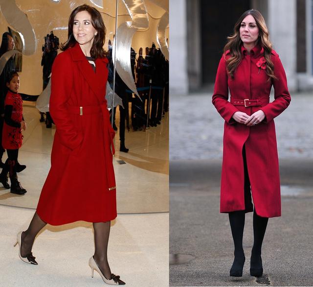 Piros kabát: Mária 2012 decemberében, Katalin 2013 novemberében viseli. És persze rengeteg más alkalommal is.