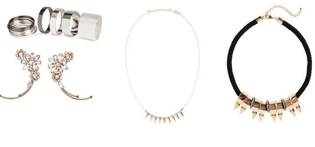 A H&M idén is verhetetlen lesz bizsu-fronton. Balról jobbra: 13 darabos gyűrűkészlet 1290 forint, fülbevaló 2990 forint, vékony lánc 1290 forint, fekete lánc 3490 forint, csillagos füldísz 3990 forint.