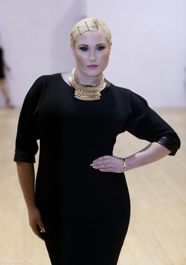 Az Evans showját David Hasselhoff 21 éves lányát, Hayley Hasselhoffot nyitotta meg.