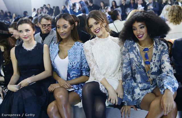 A márka célközönsége:Miranda Kerr,Jourdan Dunn, Jessica Alba és Solange Knowles