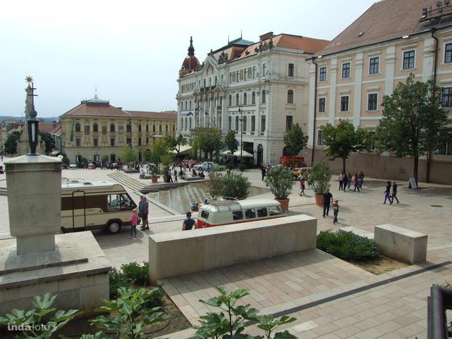 Pécs, Széchenyi tér