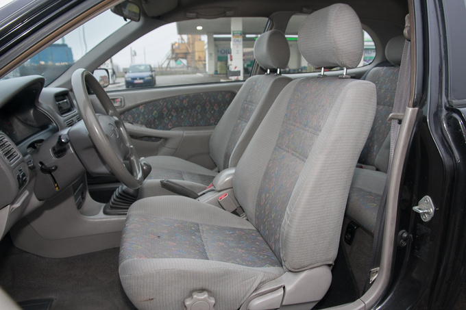Front seats have tilting seat cushions - hardly a replacement for seat height adjustment