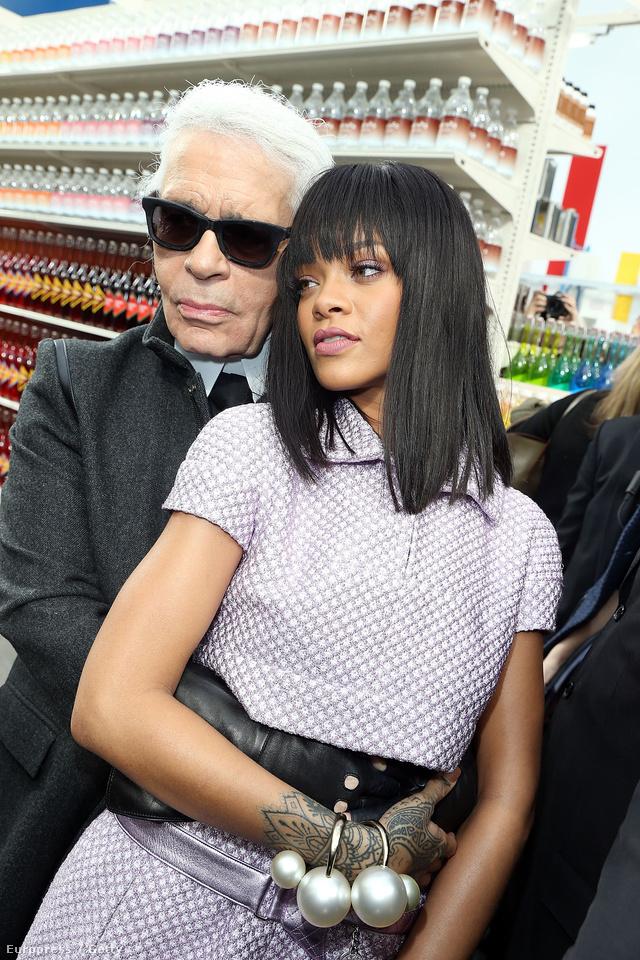 Rihanna ha már itt volt, pózolt egyet a mesterrel is.