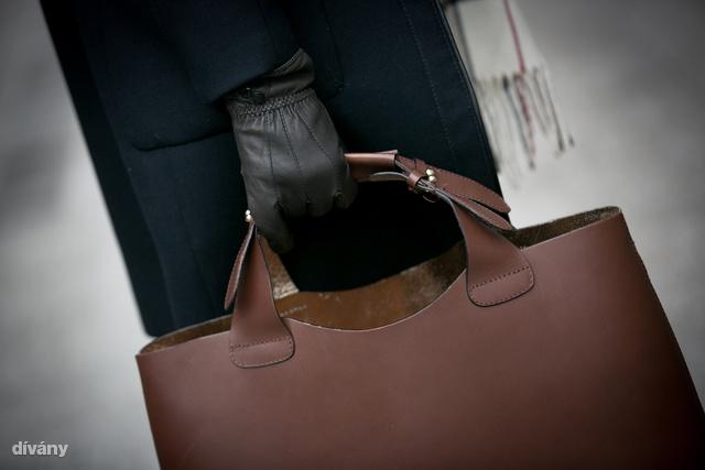 A barna shopper évek óta kihagyhatatlan divattárgy.