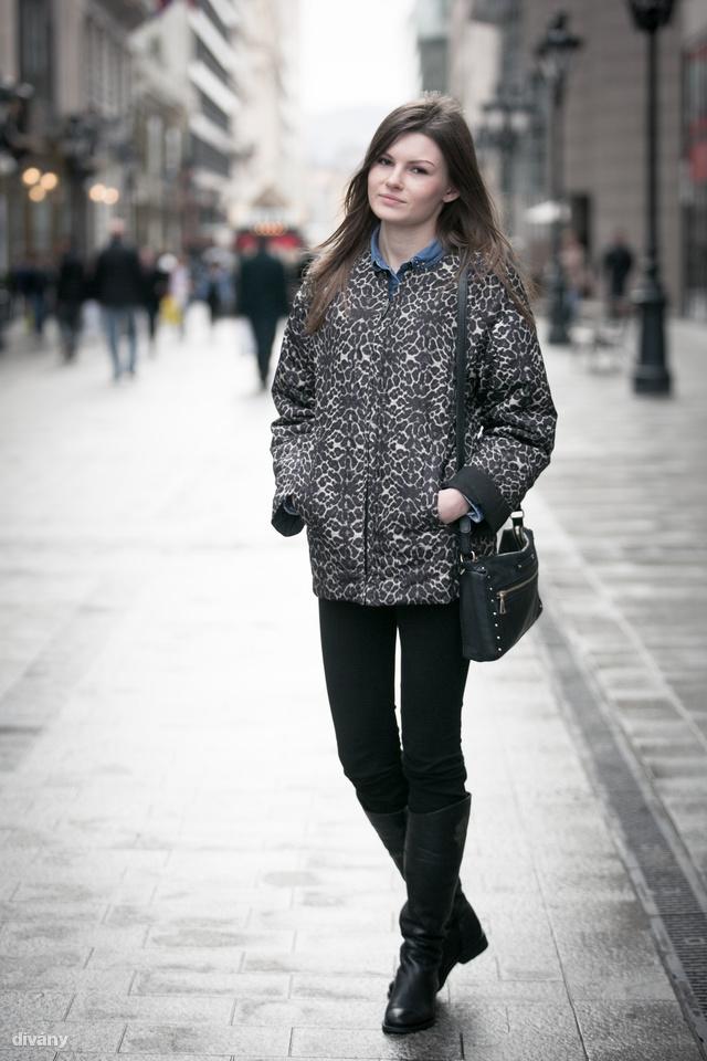 Nadezhda Zara kabátban