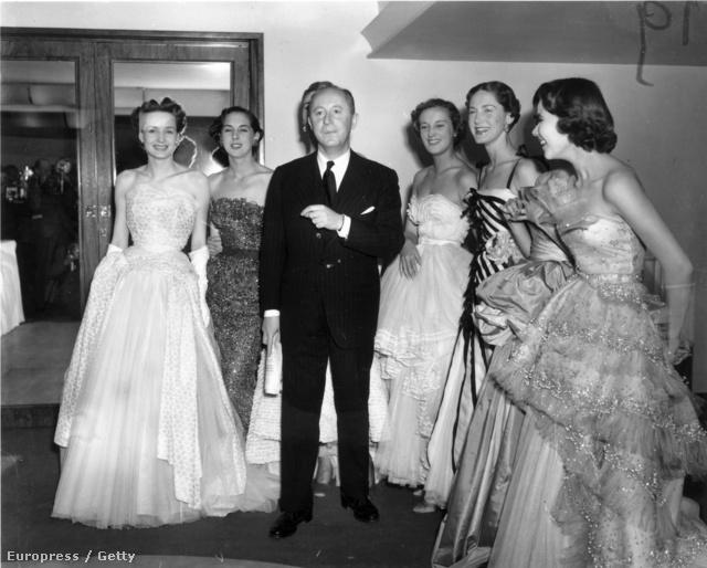 1950: a háború utáni idők puritán öltözködésének Christian Dior vetett véget az 50-ben bemutatott kollekciójával és a New Lookkal.
