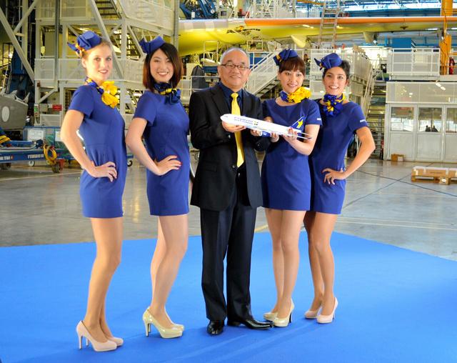 A fapados légitársaság vezérigazgatója szerint a miniruha nem kötelező, csak ajánlott viselet