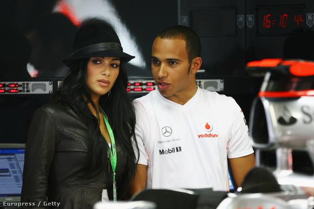 Hamilton valószínűleg itt magyarázta el Scherzingernek, hogy mi az a Forma-1