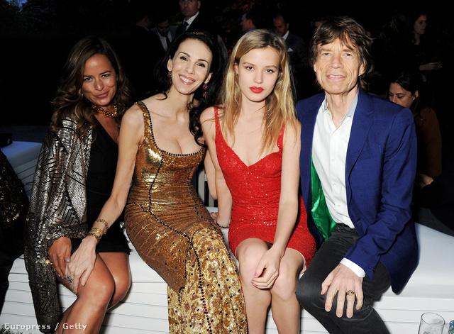 Mick Jaggerrel és lányaival 2013-ban júniusban.